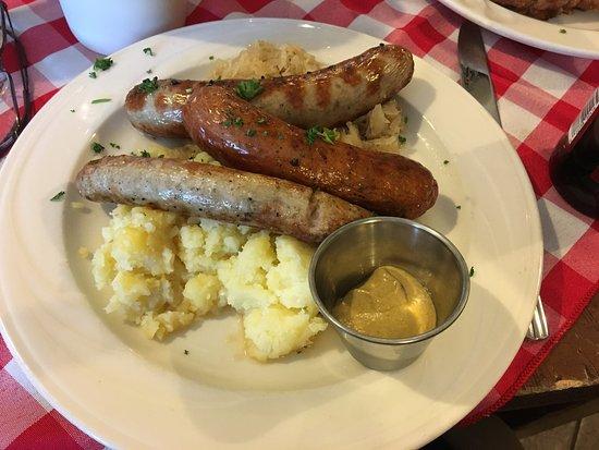 Canandaigua, Estado de Nueva York: Rheinblick - my sausage platter