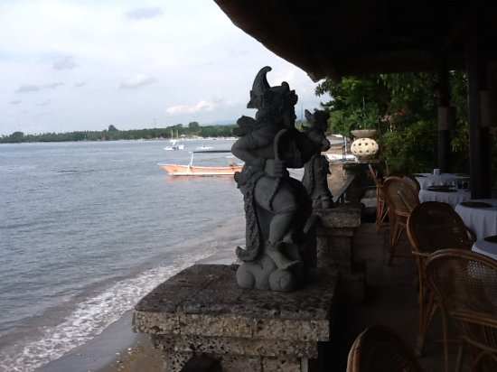 Adirama Beach Hotel: The restaurant where you can sit for hours