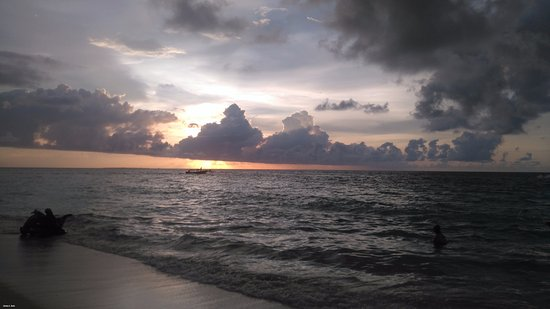 Isla Baru, كولومبيا: Atardecer en Playa Blanca, Barú