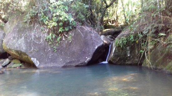 Rio Bonito, RJ: Pequena Cachoeira