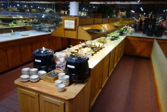 Moonlite Bar-B-Q Inn: soup and salad bar