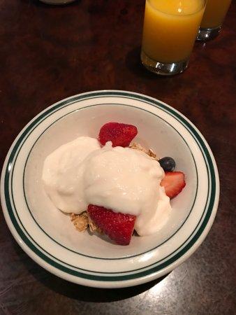 Sheraton Seattle Hotel: Buffet breakfast.