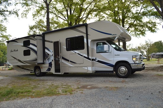 Lumberton I-95 KOA RV Park : Parking