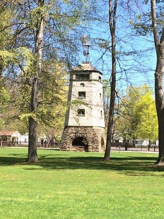 Mentor, Οχάιο: The farm's windmill.