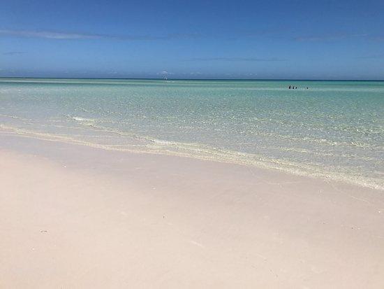 Hervey Bay, Austrália: Sand is so white
