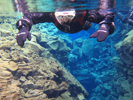DIVE.IS : Snorkelling Silfra