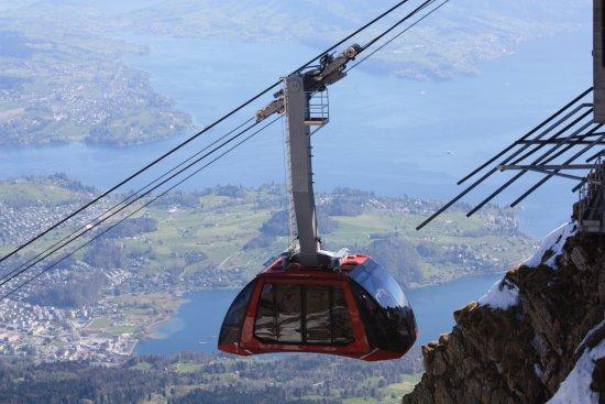 Mount Pilatus : Cable car.