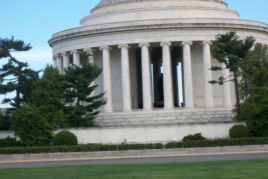 Old Town Trolley Tours of Washington DC: jefferson memorial