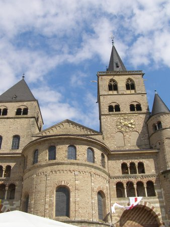 St. Peter's Cathedral (Dom) : 人太多 只能往上取景