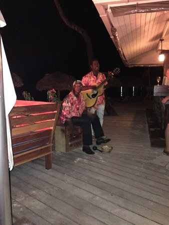 Sandals Negril Beach Resort & Spa: Calipso Band (daylight come and me wanna go home!)
