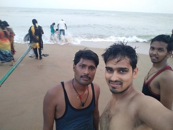 Kovalam Beach: me with friends after haveing a dip