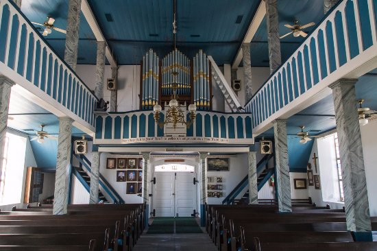 Giddings, TX: Lower level of church facing the rear / organ