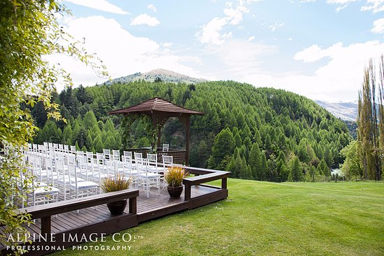 The Canyons Lodge B&B: Wedding on the deck