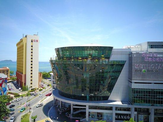 Suria Sabah : 亞庇曙光廣場