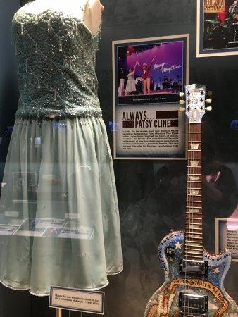 Ryman Auditorium : Pastsy Cline memorabilia