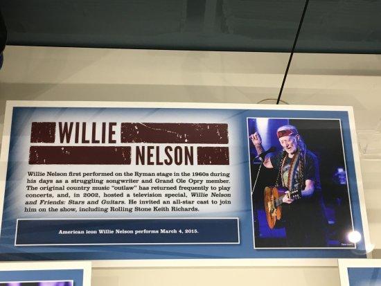 Ryman Auditorium : Willie