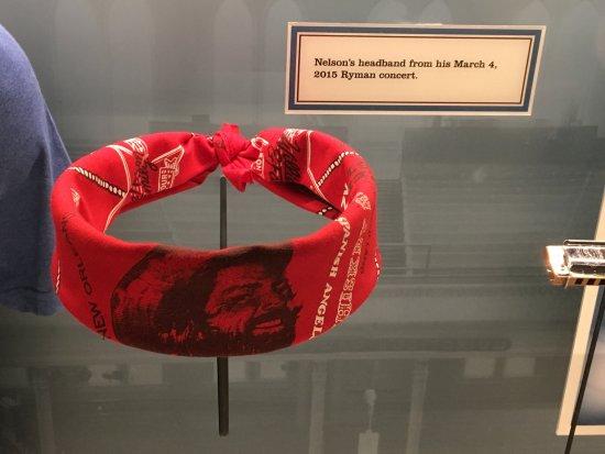 Ryman Auditorium : Willie's headband