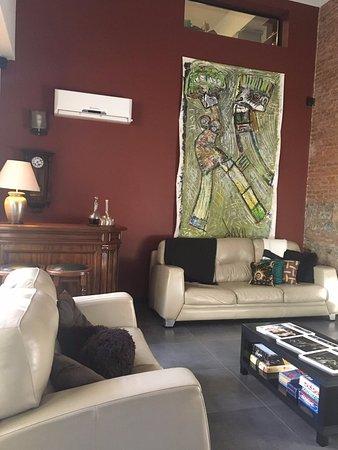 Posada Las Terrazas: Sala de TV e licor