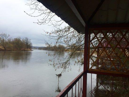 Odintsovo, Rusia: Вид на Москва-реку из беседки