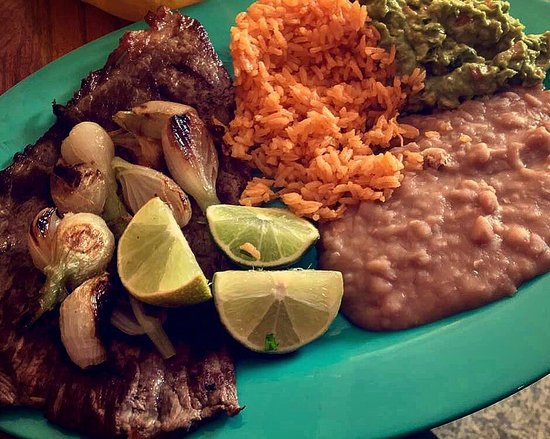 Plymouth, IN: Carne asada and guacamole!🥑❤️ what more can you ask for!