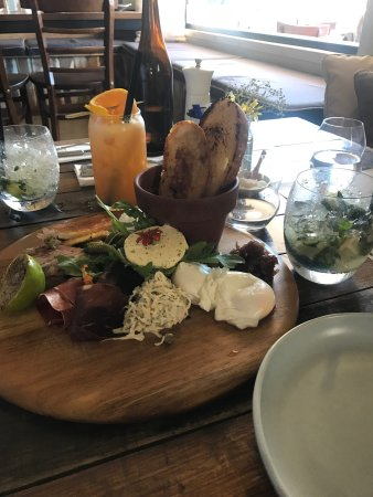 Edge Hill, Australia: Beautiful location, delicious food and attentive staff