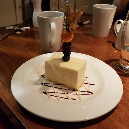 Orangeville, Canada: White Chocolate Cheescake