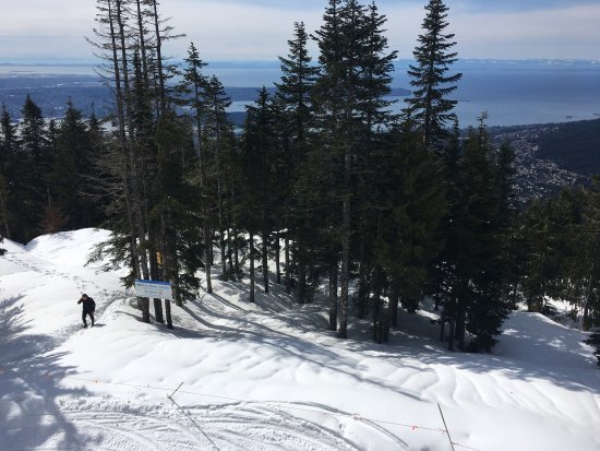 Nord-Vancouver, Canada: Grouse mountain with ice