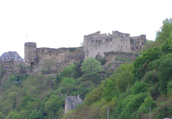 Rheinfels Castle: 雄距山頭的萊因岩城堡