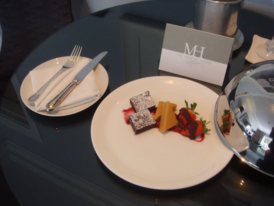 The Manor House at Fancourt: Confectionaries places in my suite on arrival