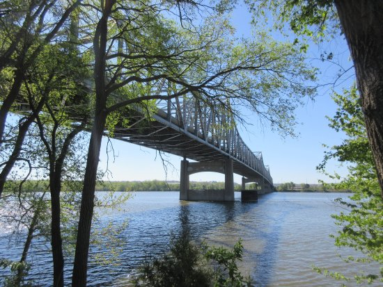 East Peoria, IL: Bridge above High Waters of Illinois River