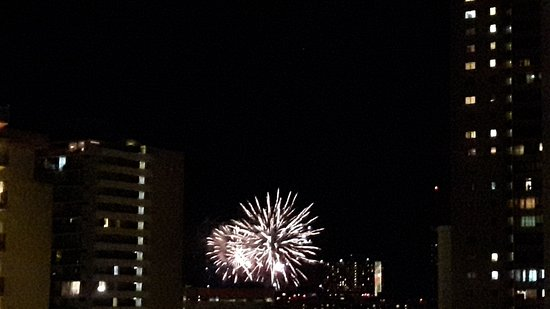Ilima Hotel: Weekly Friday night view Fireworks at Sheraton Waikiki