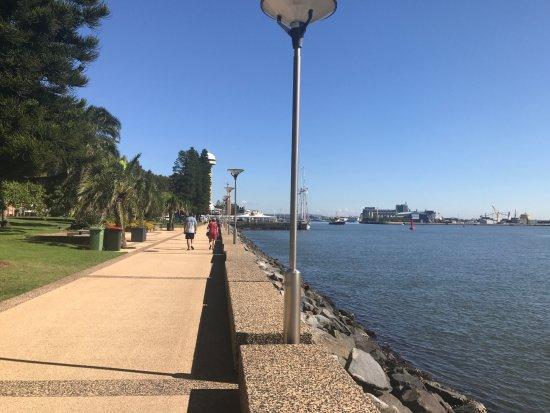 Νιούκαστλ, Αυστραλία: Newcastle - The broadwalk along the river / harbour edge