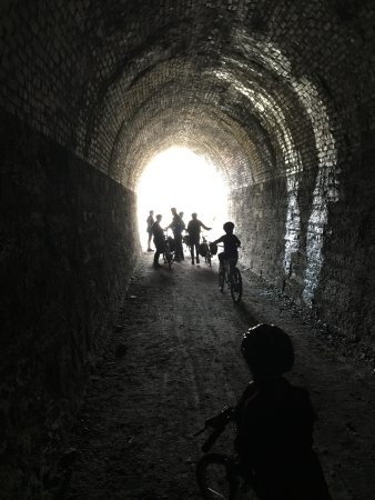Alexandra, Новая Зеландия: One of the tunnels
