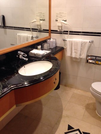 Metropark Hotel Causeway Bay HK: 2017 Pictures, Reviews