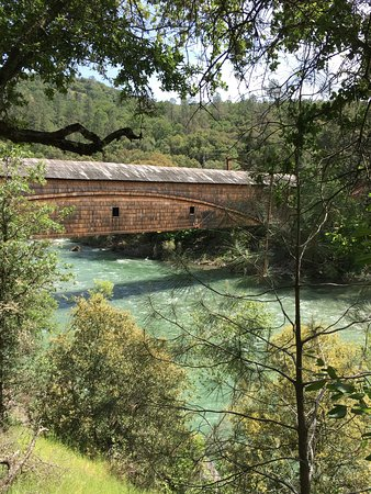 South Yuba River State Park: the old covered bridge from the Point Defiance trail