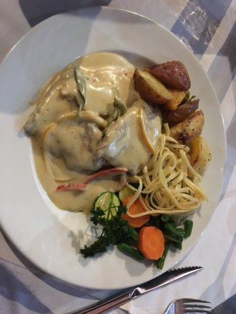 Fourways, South Africa: Veal Saltimbocca