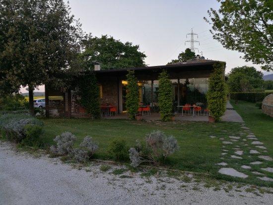 Montecchio, Italia: IMG_20170423_195005_large.jpg