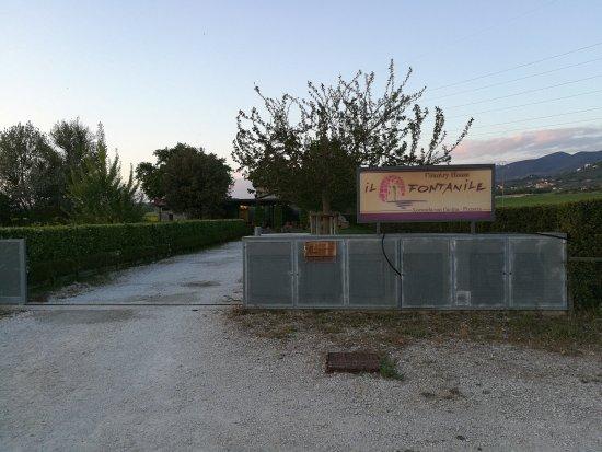 Montecchio, Italia: IMG_20170423_194925_large.jpg
