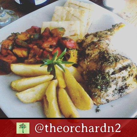 Grabouw, แอฟริกาใต้: The Orchard Farm Stall - lemon and herb chicken