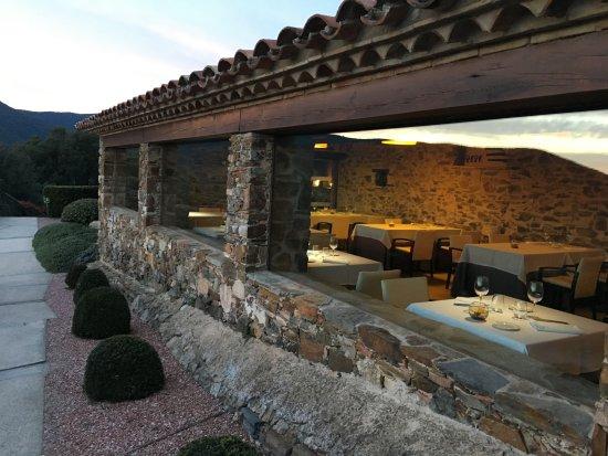 Cànoves i Samalús, España: Vistar de el restaurante desde el exterior
