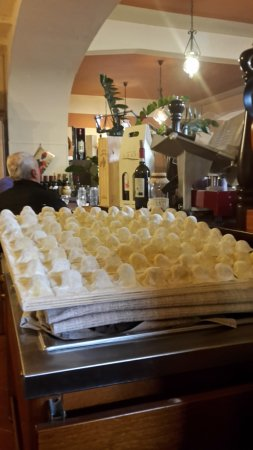 Dicomano, Italia: Esposizione dei tortelli.