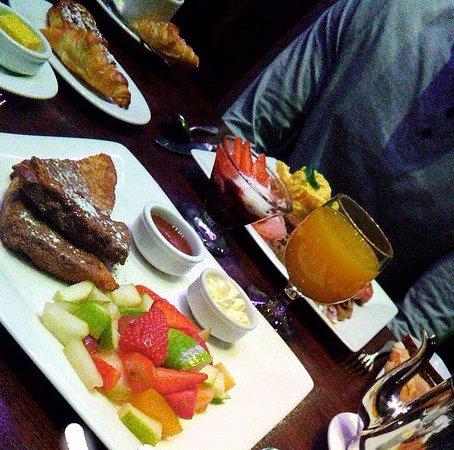 ذا روس هوتل: Breakfast was 5 Star at The Ross.