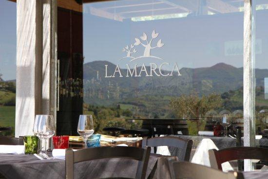 Rosora, إيطاليا: Esterno La Marca