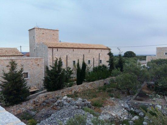 Charouda, Grecia: Πύργοι της Εδέμ