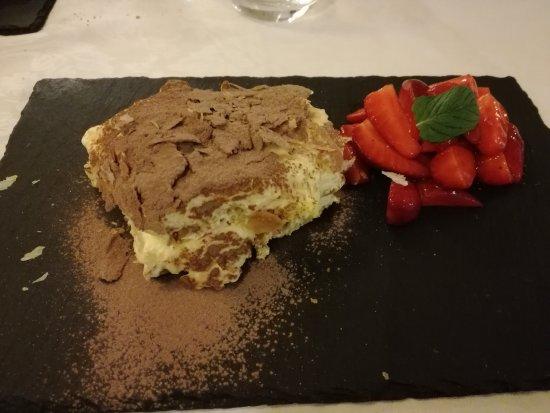 Bastia Umbra, Italy: IMG_20170416_211510_large.jpg