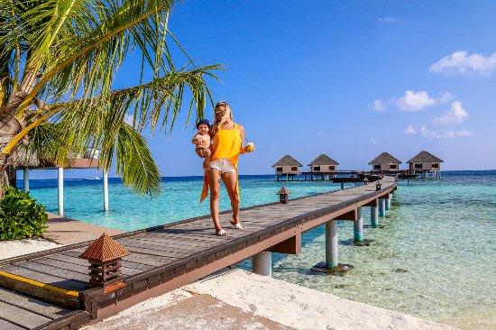 Adaaran Prestige Vadoo: Honeymoon villas behind