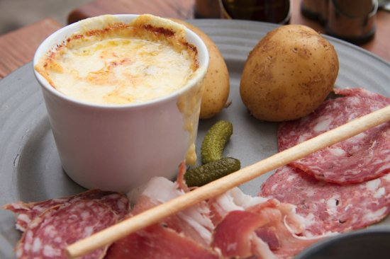 Villarodin-Bourget, Frankrig: Fondue au fromage, un pur delice