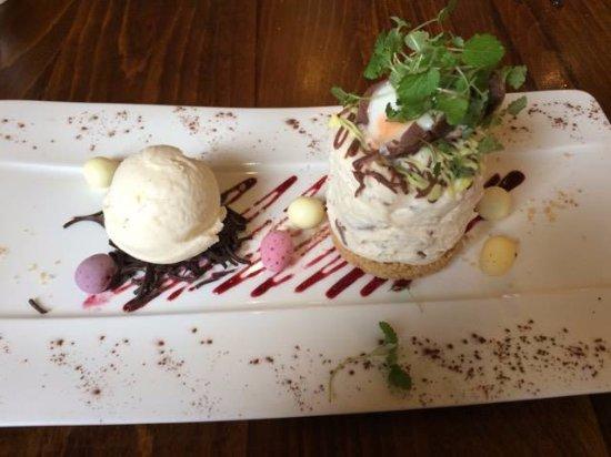 Retford, UK: Creme Egg Cheesecake.