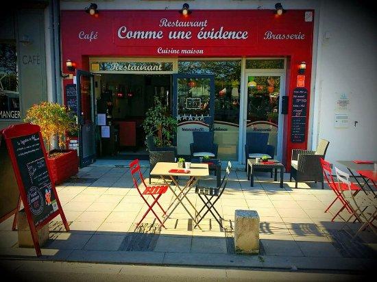 Le Chateau d'Oleron, Francja: Restaurant Comme une évidence