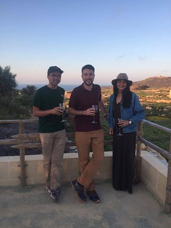 Gharb, Malta: My friends and I enjoying ourselves at the winery!